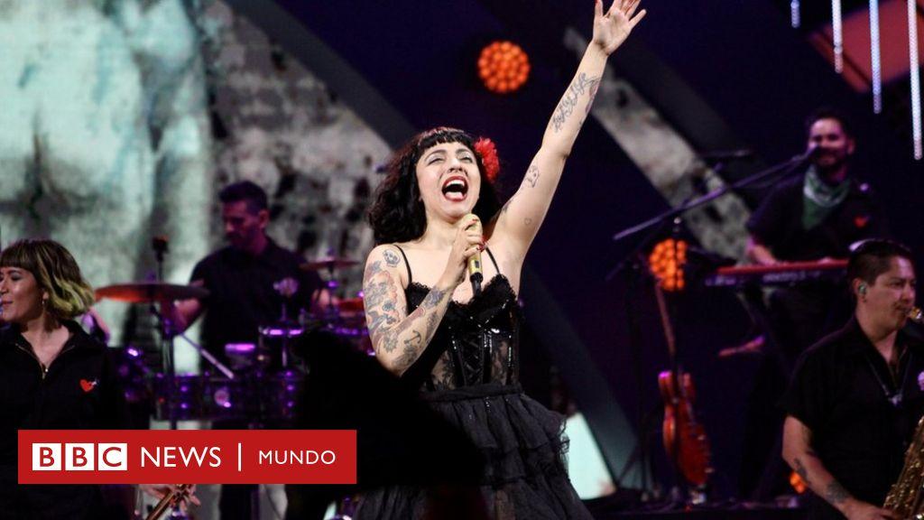 La ovacionada y reivindicativa actuación de Mon Laferte en el Festival Viña del Mar