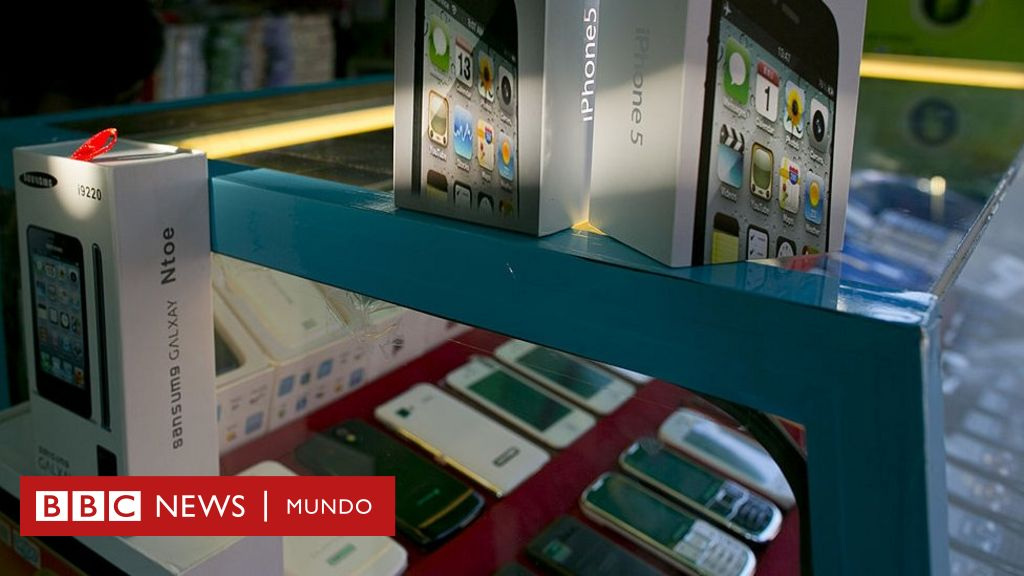 d7ed7c1e959 ¿Samsung Galaxy o iPhone de imitación? 3 claves simples para identificar si  un teléfono celular es falso - BBC News Mundo