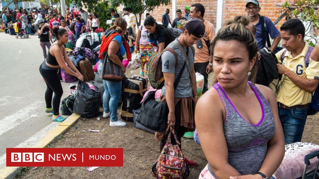 """Crisis en Venezuela: el """"récord"""" de migrantes venezolanos que llegó a Perú ante la entrada en vigor de la visa humanitaria"""