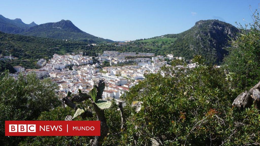 Pequeño De España Pueblo UbriqueEl Fabrican Se Bolsos Donde nNmv8w0