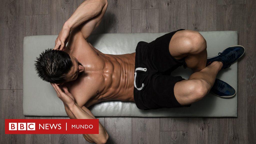 es malo hacer abdominales en la cama