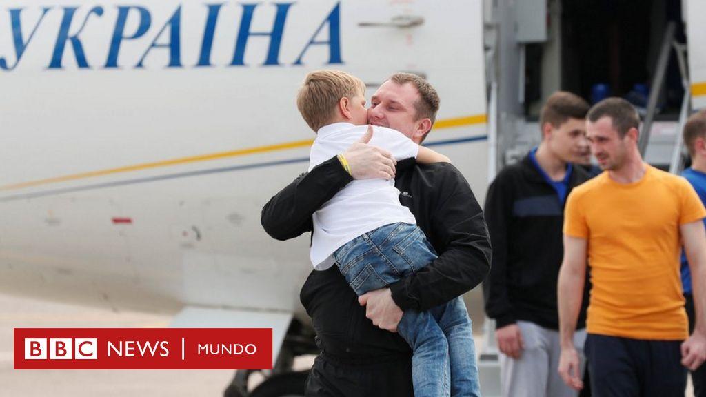 Guerra en Ucrania: Moscú y Kiev realizan un esperado y polémico intercambio de prisioneros