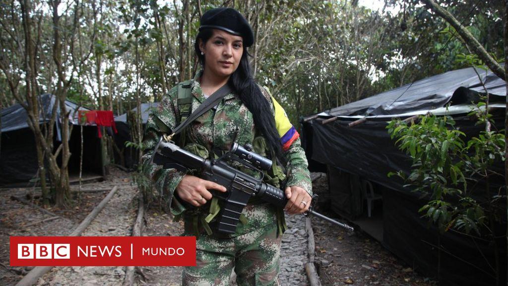 Jugosas ofertas de mafiosos, el miedo a no tener un comandante... Los retos que esperan a los guerrilleros de las FARC cuando dejen las armas