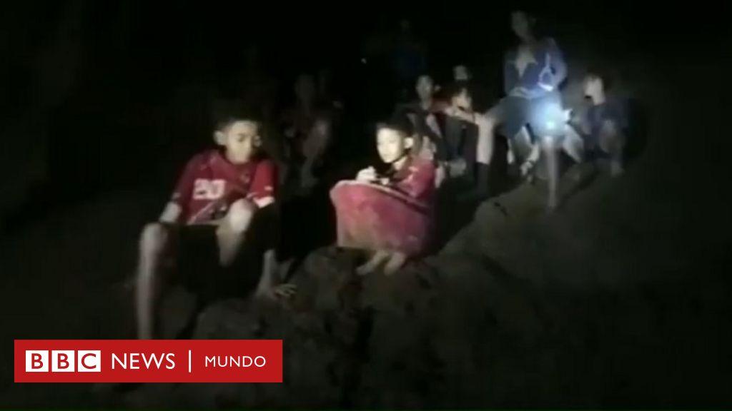 Tailandia: encuentran con vida al equipo adolescente de fútbol atrapado en una cueva