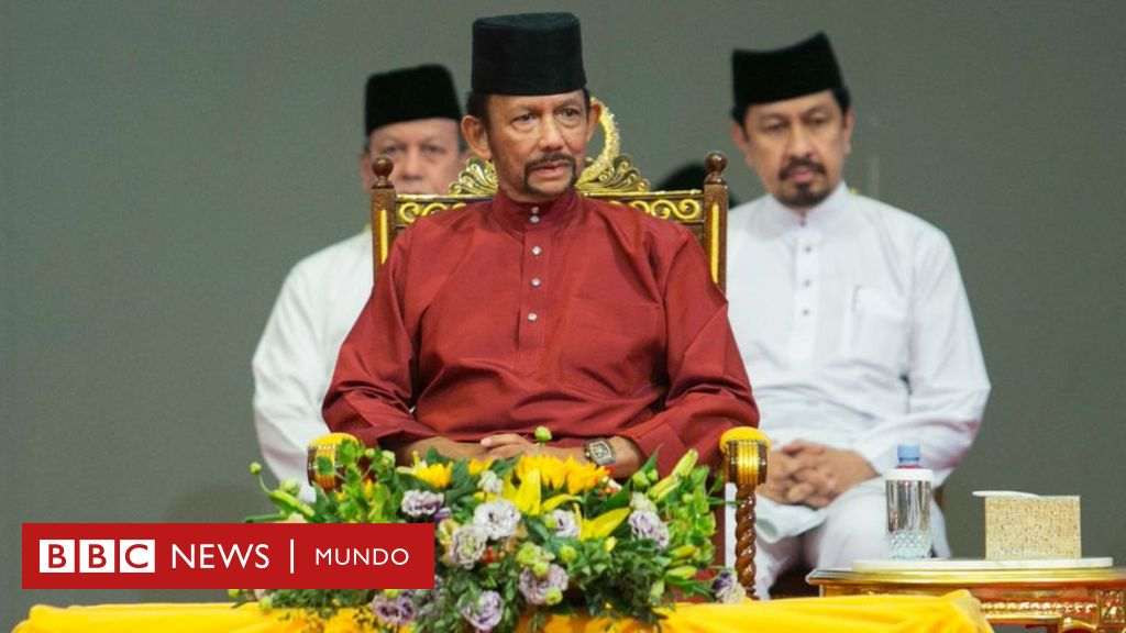 Quién es Hassanal Bolkiah, el multimillonario sultán de Brunéi que aprobó la lapidación de homosexuales