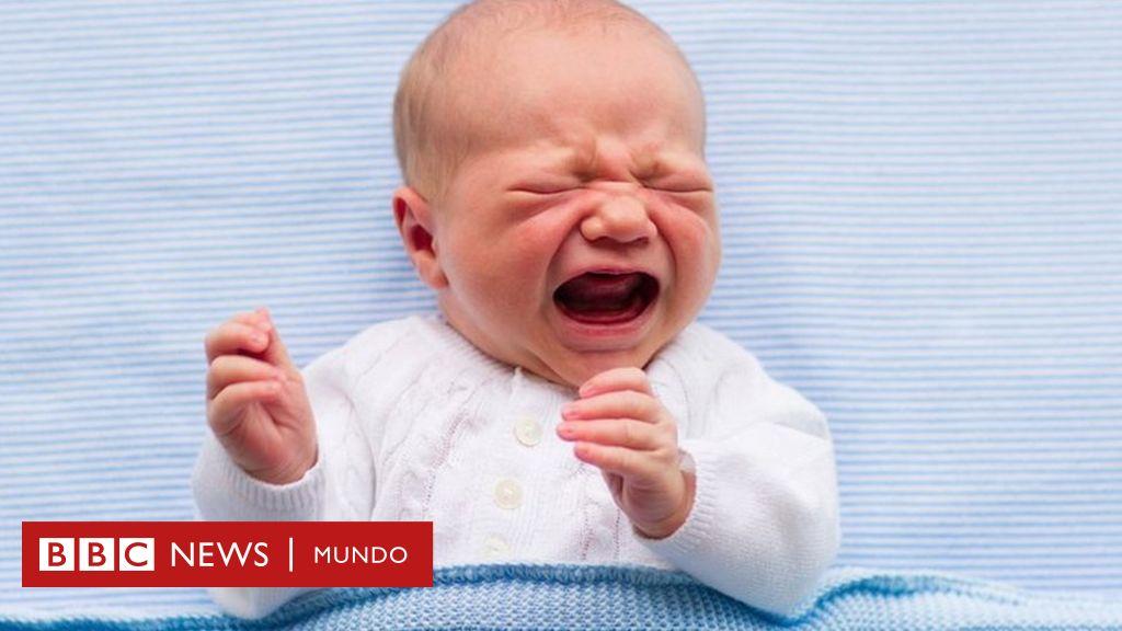 ¿Cuántas veces debe comer un bebé por la noche?