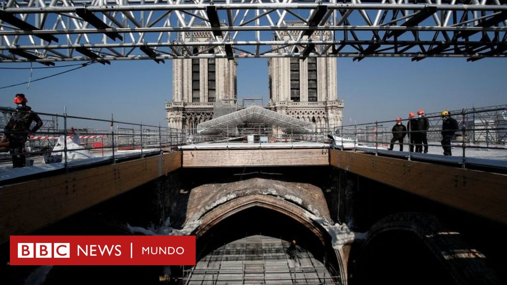 En fotos: así está Notre Dame dos años después del devastador incendio que casi destruye la icónica catedral de París - BBC News Mundo