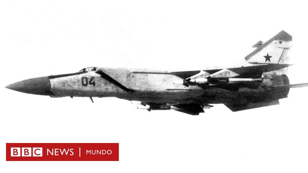 El piloto que se robó un MiG-25, el avión de combate más secreto de ...