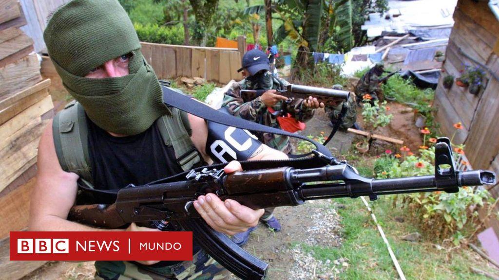 """""""Los paramilitares controlan todo"""": el miedo en Tierralta, la ciudad donde asesinaron a una mujer frente a sus hijos"""