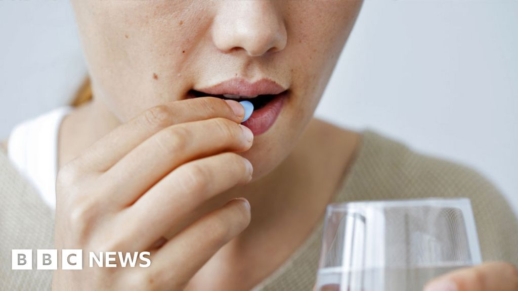 Could Covid vaccine be taken as a pill? - BBC News