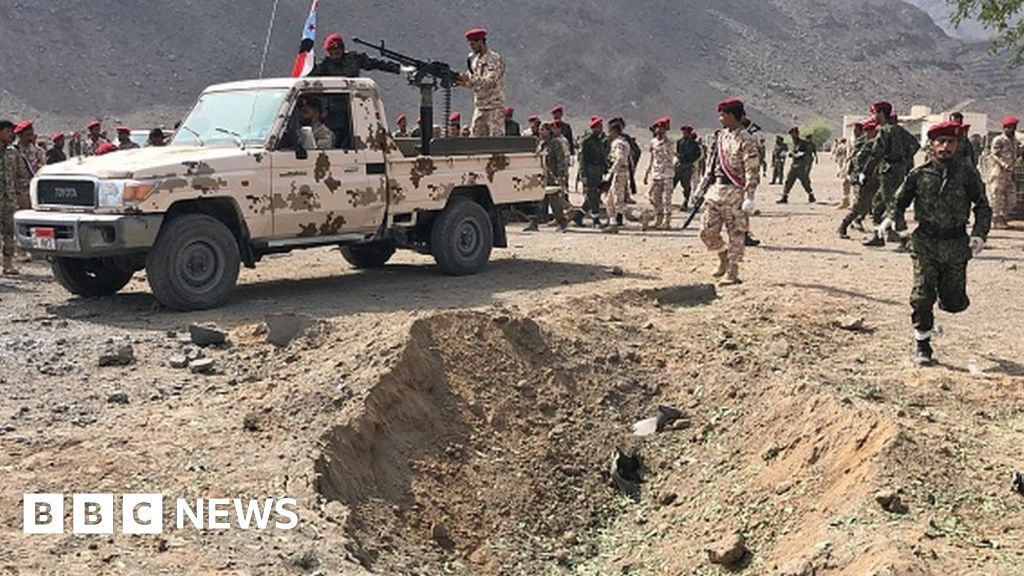 Yemen war: At least 70 soldiers killed in missile attack