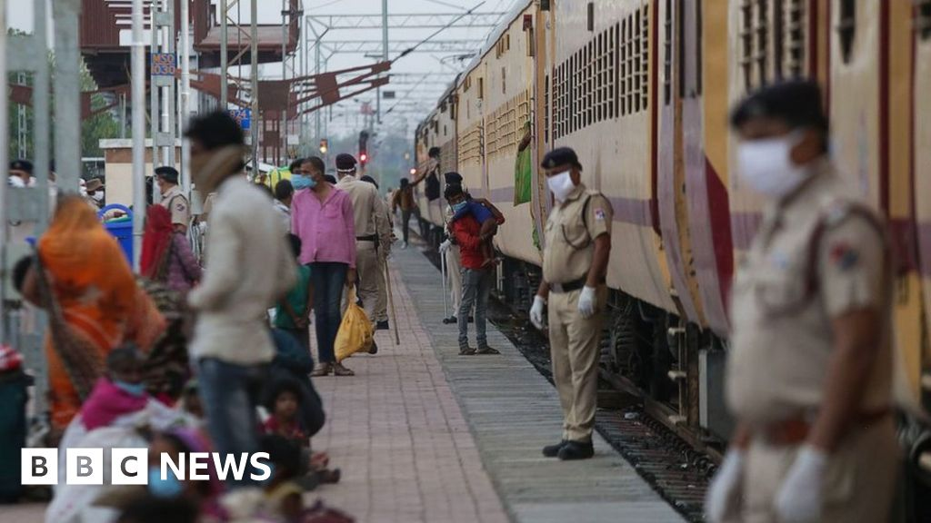 Indian migrant deaths: 16 sleeping workers run over by train - BBC News