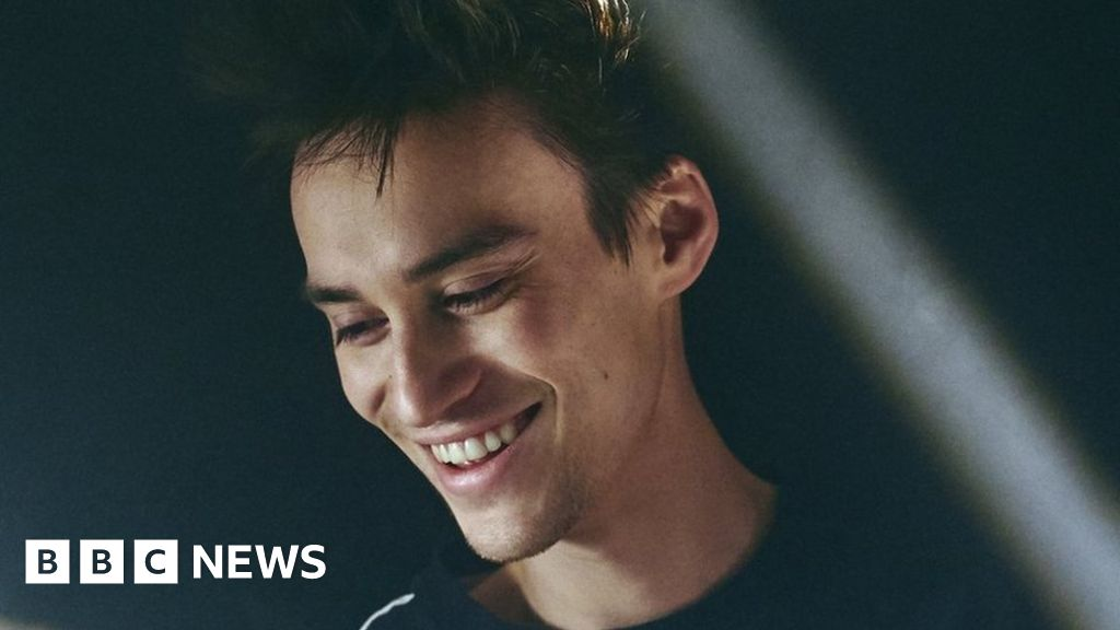Jacob Collier: The Grammy nominee making music in his childhood bedroom