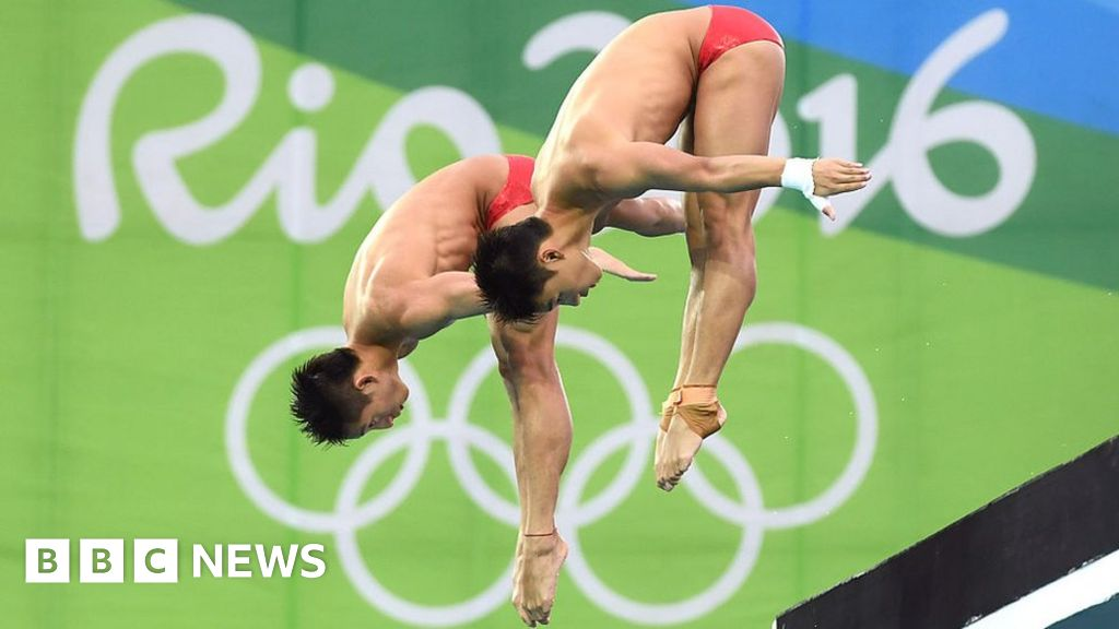 Rio 2016: Olympic divers swoop into plastic cup in viral gif viewed