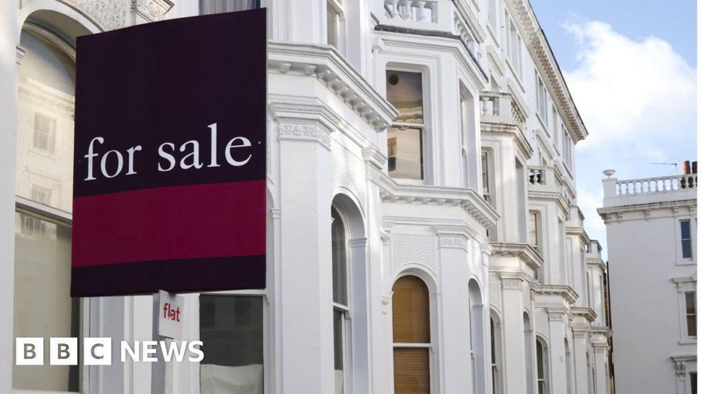 Coronavirus: Weekly house buying interest slumps 40%