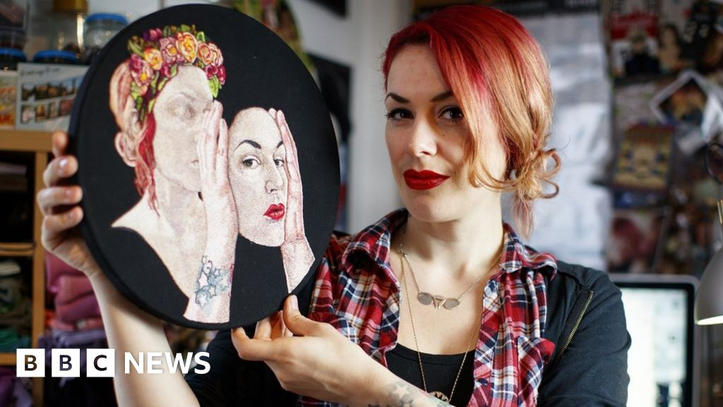 Royal Academy apologises to artist Jess de Wahls in transphobia row