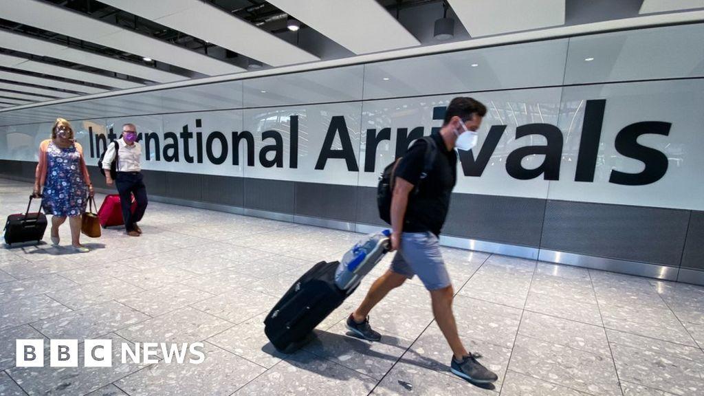 Heathrow in £2bn loss as Covid 'devastates' air travel thumbnail