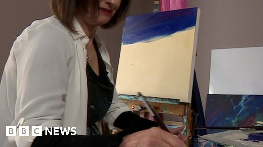 Lens replacement led to 'blind patches', says artist