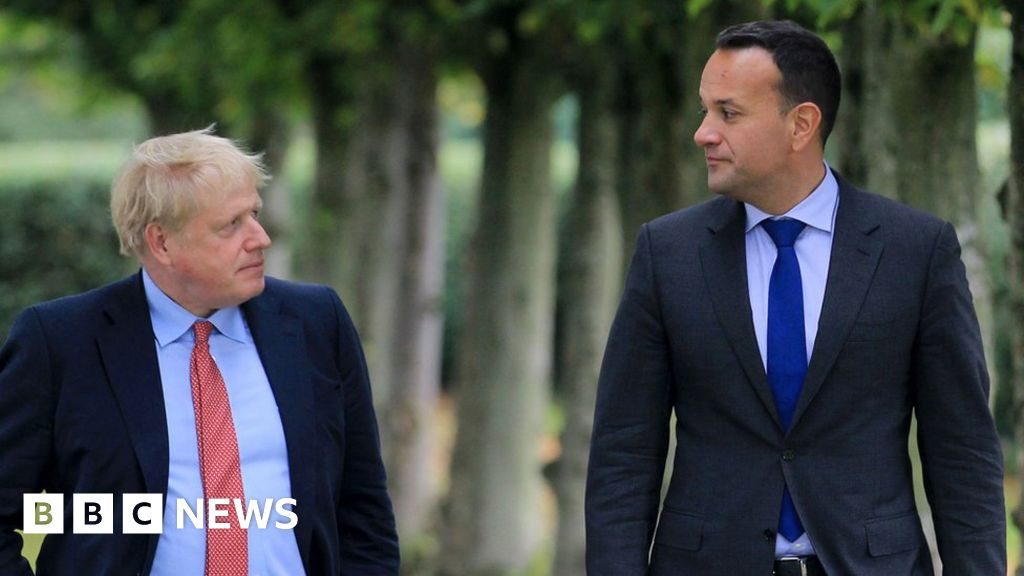 Brexit talks in Brussels ahead of the crunch summit