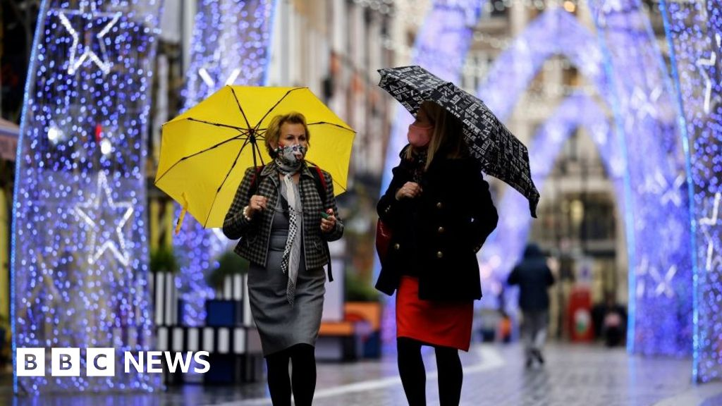 Covid-19: Christmas get-together plan backed by UK nations