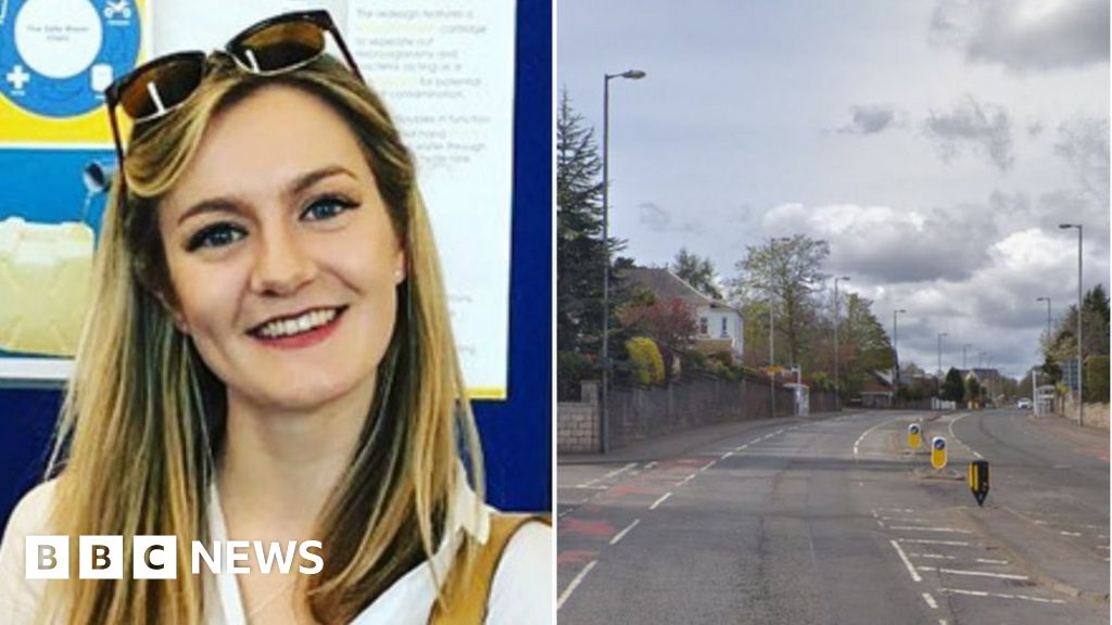 Woman 21 Named After Fatal Crash In Giffnock Bbc News