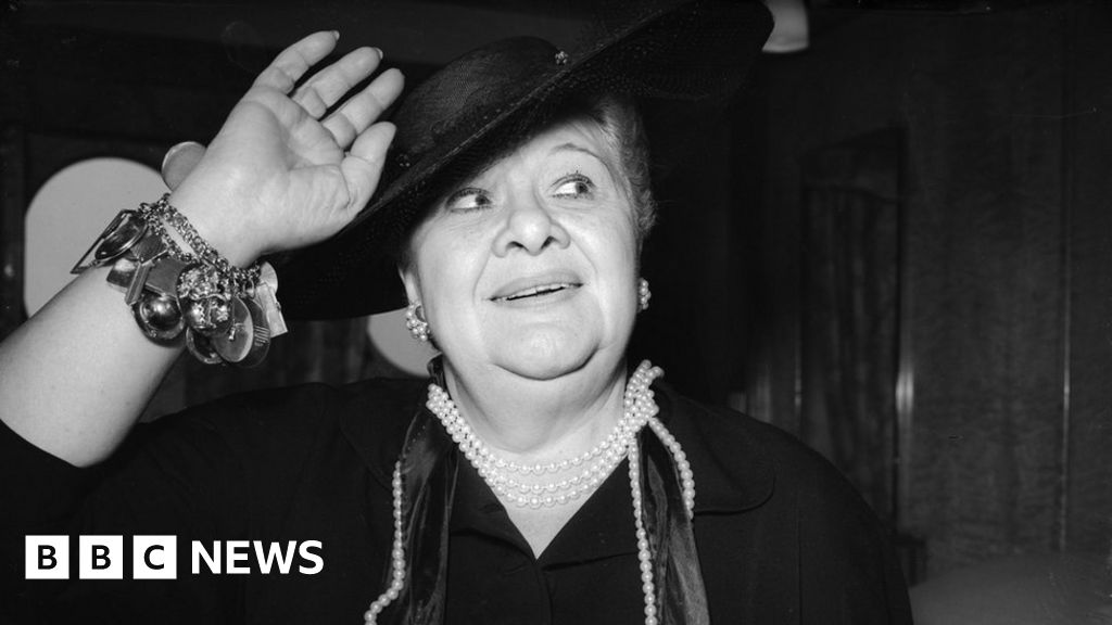 Sophie Tucker: Everybody loves a fat girl - BBC News