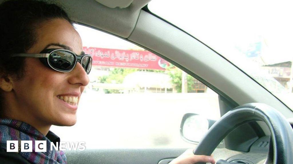 Iranian women threw off the hijab - what happened next? - BBC News