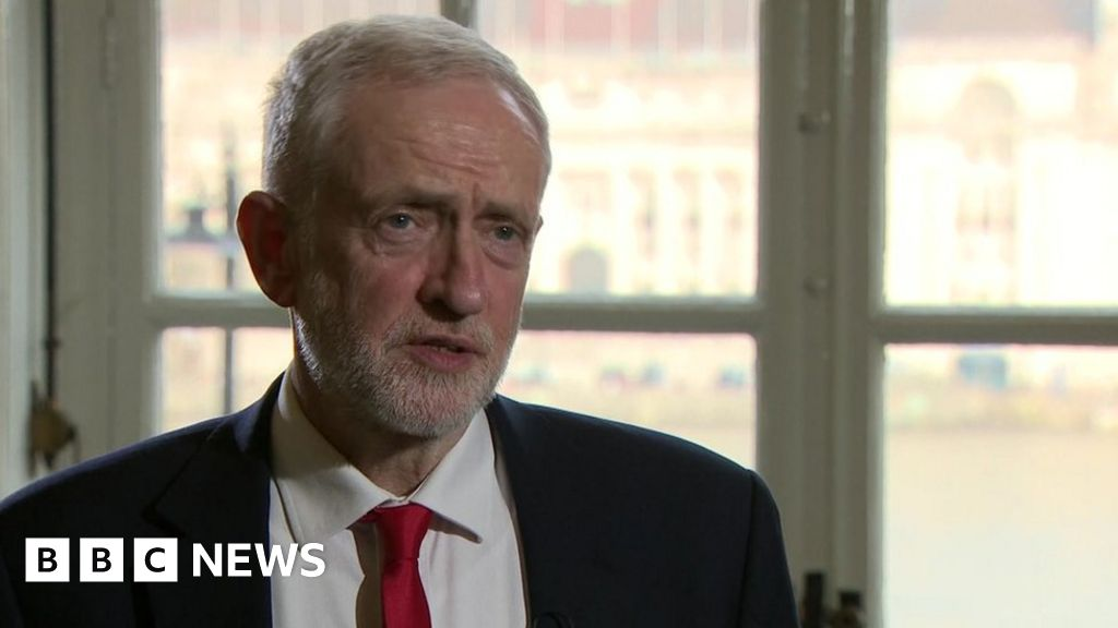Brexit: Labour MPs urge Corbyn not to go 'full Remain'