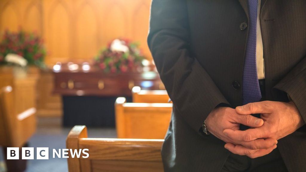 How New Funeral Restrictions Affect The Bereaved In Scotland Bbc News