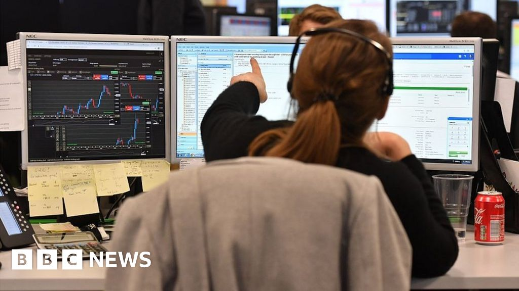 Brexit: London loses out as Europe's top share trading hub