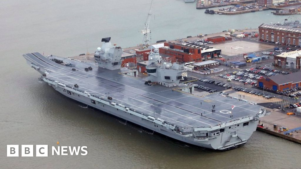 Coronavirus: HMS Queen Elizabeth will remain in Portsmouth for the crew-test