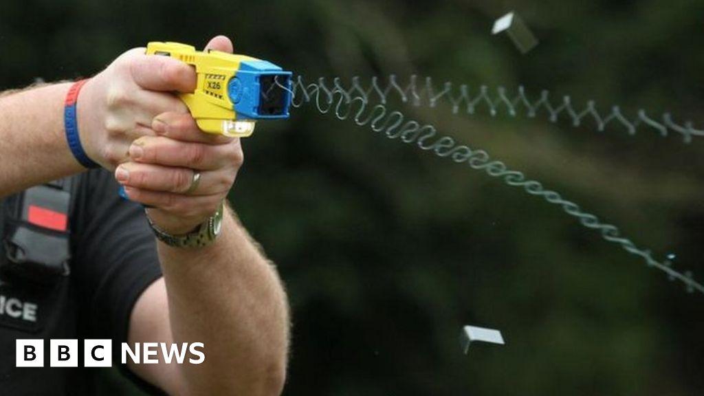 Taser arrest in Stretford referred to police watchdog thumbnail