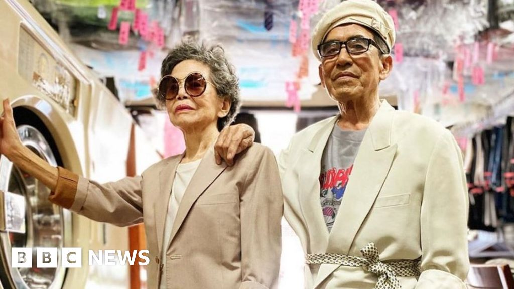 Taiwanese Laundry-modelling grandparents surprise Instagram hit