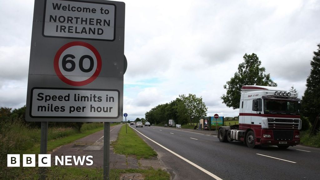 ba0464ca98 EU  worried  by UK s Irish border proposals - BBC News