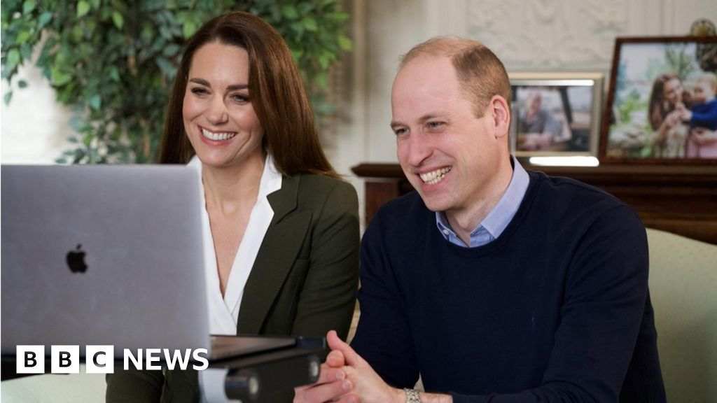 Covid-19: Prince William and Kate urge people to get vaccine thumbnail