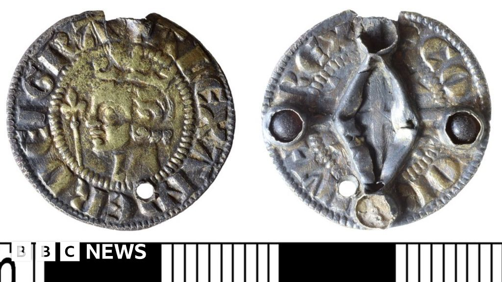 Scottish medieval coin 'lost' and found in Norfolk declared treasure