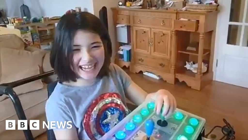 Dad builds Nintendo games controller for disabled daughter - BBC News