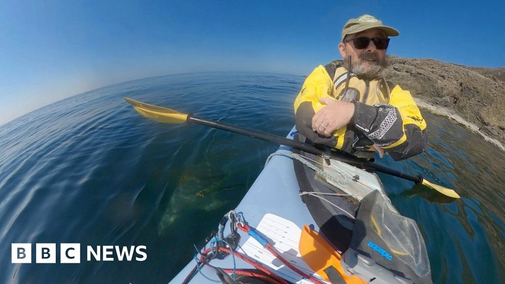 'Sea kayaking helps my recovery from depression'