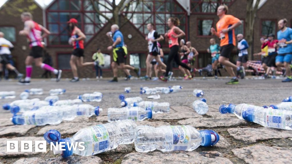 Plastic waste: Runners face littering disqualification