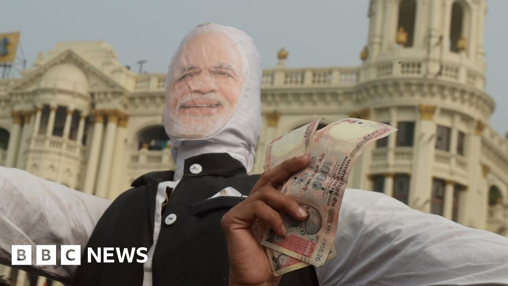 Why aren't Indians angrier over note ban failure? - BBC News