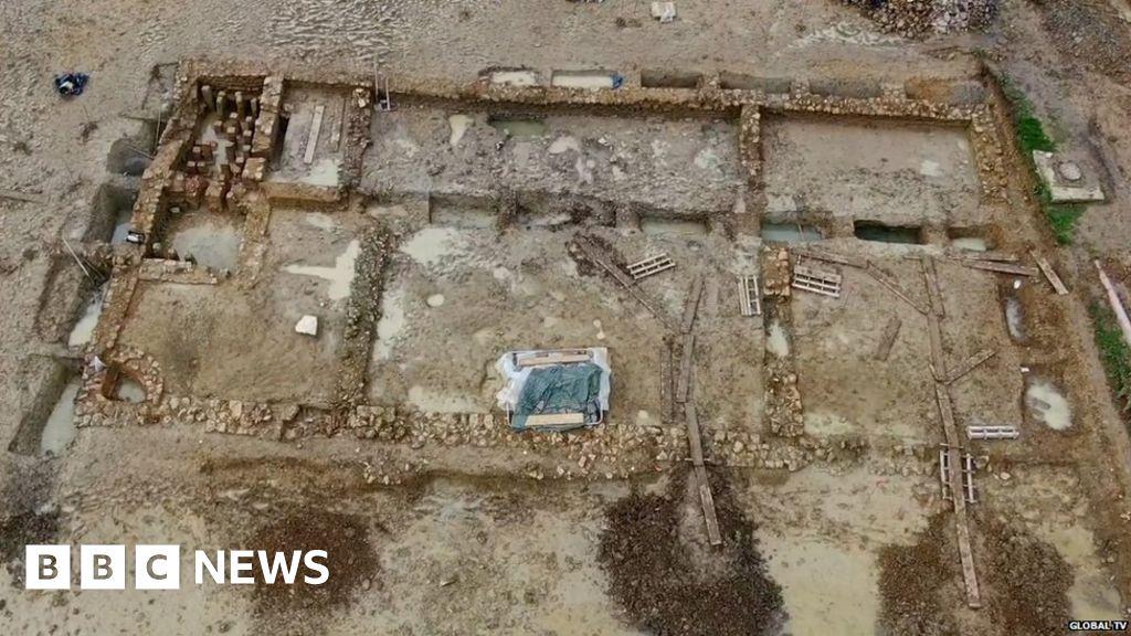 Developers in U-turn over Roman villa