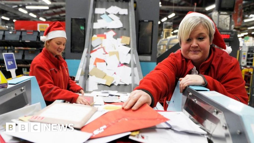 Royal Mail seeks record number of Christmas temps