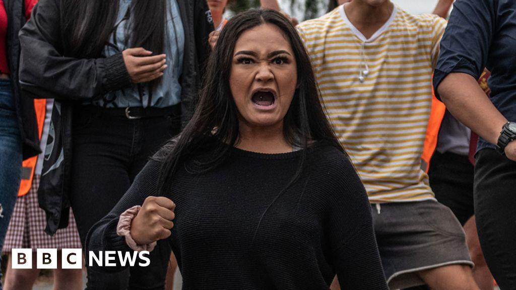 Gunman Christchurch Pinterest: Students Perform Haka For Attack Victims