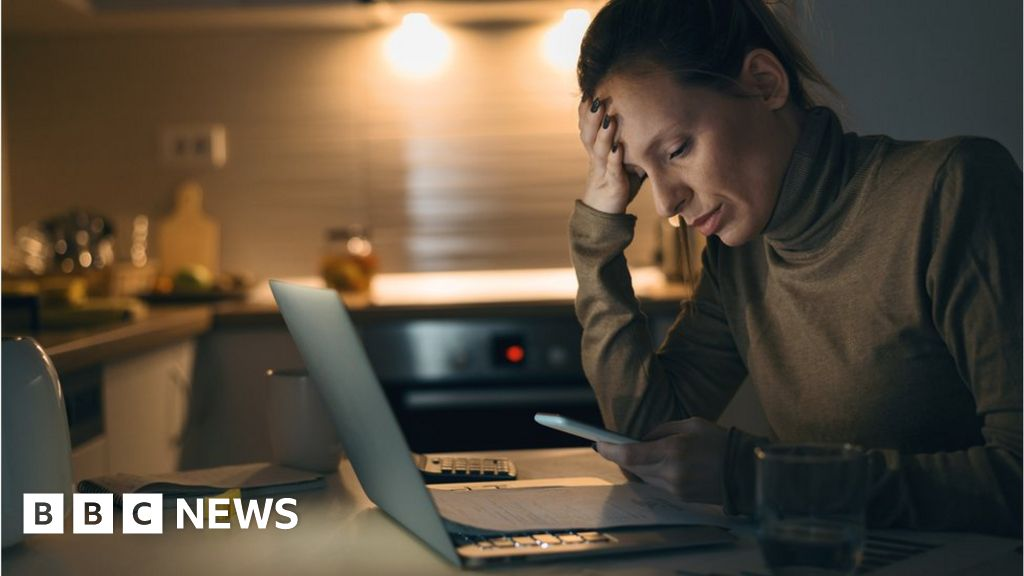 Banning out-of-hours email 'could harm employee wellbeing' thumbnail