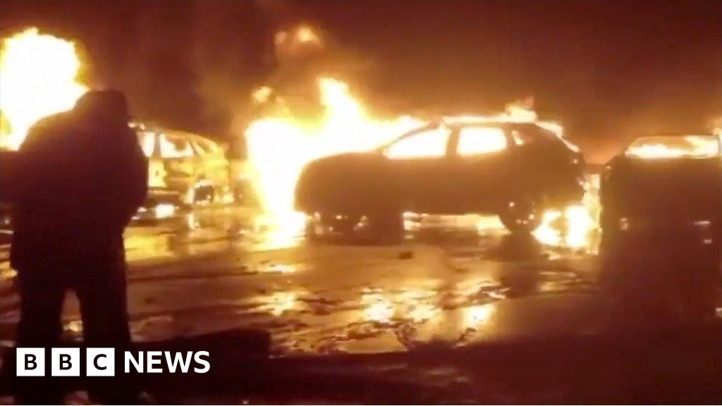 Italian storm destroys hundreds of cars