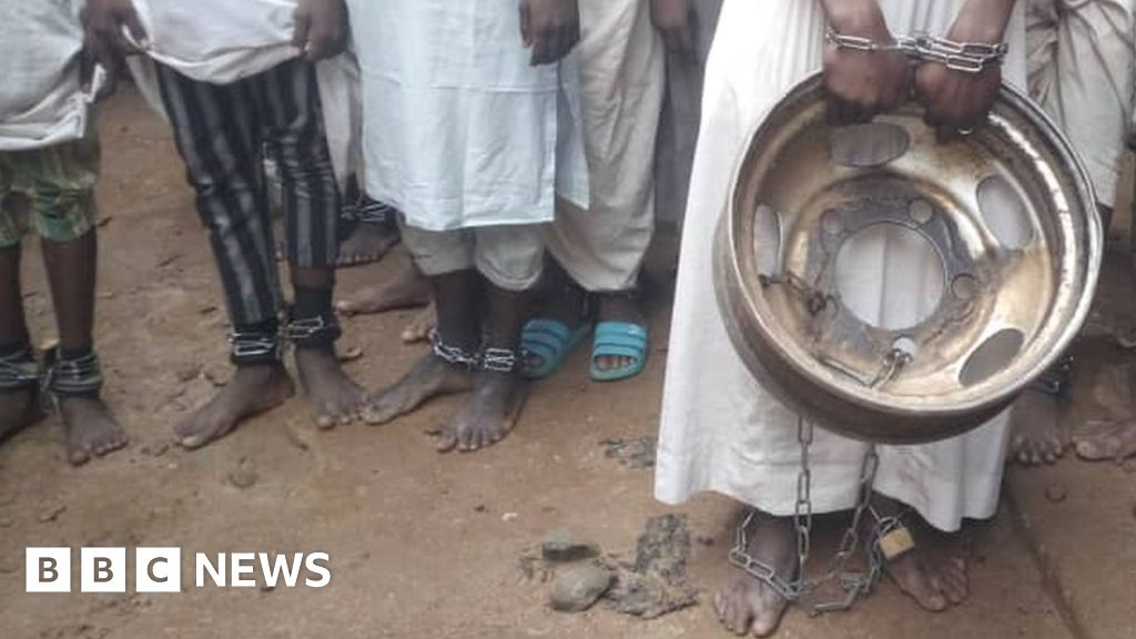 Nigerian 'torture house': Hundreds freed in Kaduna police raid - BBC News