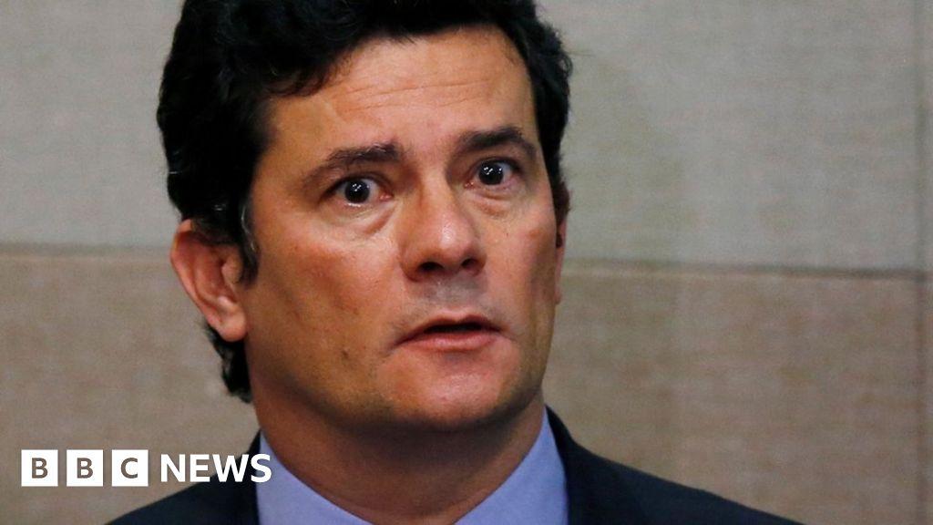 Sergio Moro: Brazil prosecutor requests Bolsonaro 'meddling' probe thumbnail