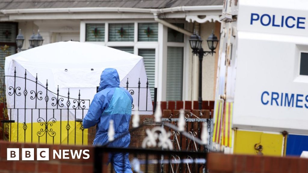 North Belfast: Murdered man was 'suspect in teen's killing' thumbnail