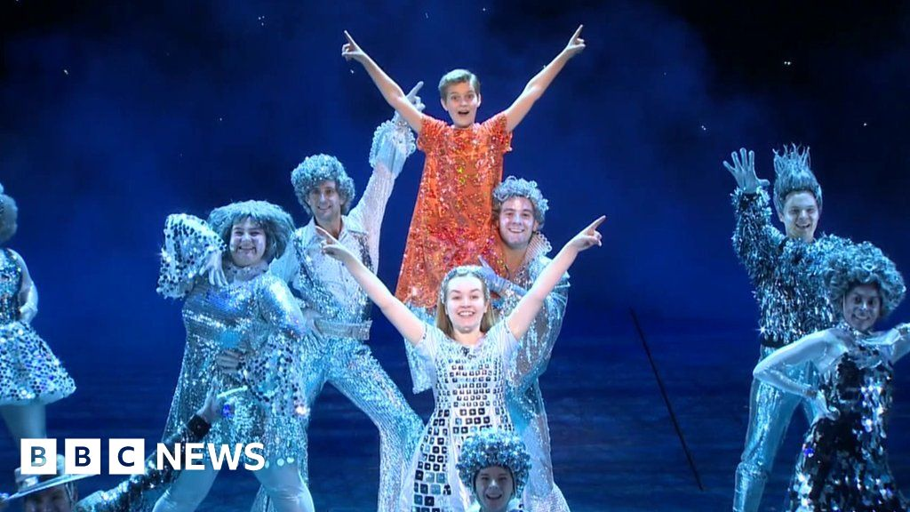 Walliams and Williams collaborate on musical