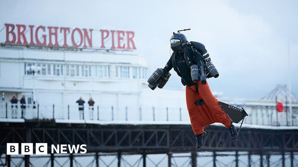Jet suit inventor breaks speed record off Brighton beach